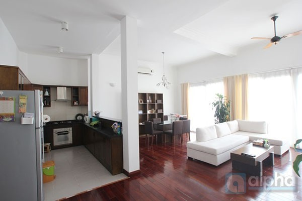 Luxury & lake view apartment for rent in Tay Ho area, Hanoi