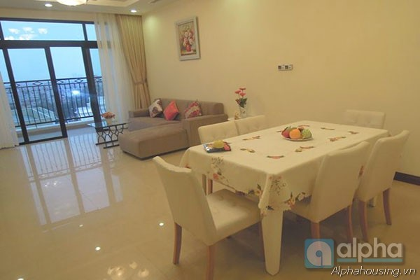 Luxurious two bedrooms apartment for rent in Royal City, brand new furnitures.