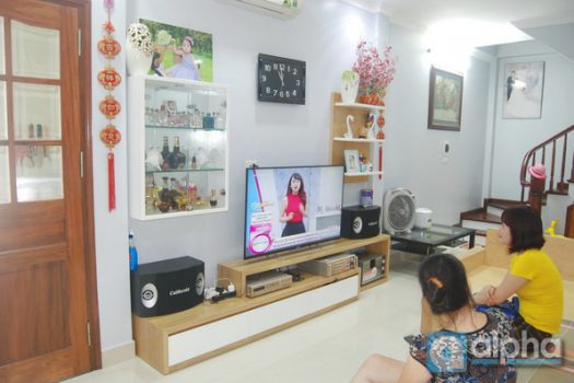 Modern 03 bedrooms house for rent in Hai Ba Trung, Ha Noi. 2