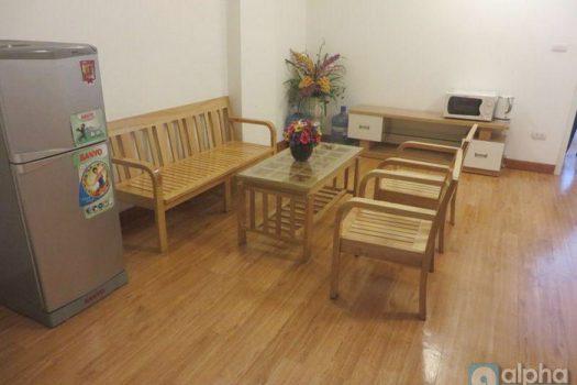 Cho thuê căn hộ 1 phòng ngủ tại phố Láng Hạ. Nội thất đẹp