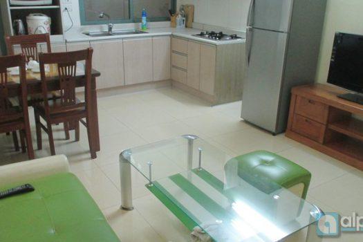 Căn hộ 2 phòng ngủ nội thất đầy đủ Phố Vũ Ngọc Phan gần Láng Hạ