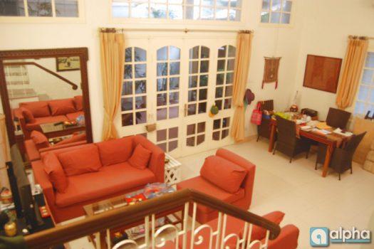 Cho thuê nhà đẹp - Làng Nghi Tàm Tây Hồ Hà Nội với 2 phòng ngủ