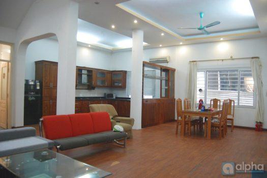 Nhà 4 phòng ngủ phố Tô Ngọc Vân cho thuê
