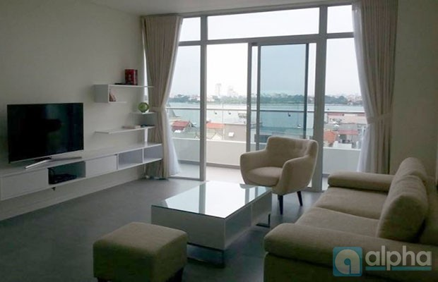 Luxury 2 bedroom apartment with Lake view to rent at Watermark Buliding