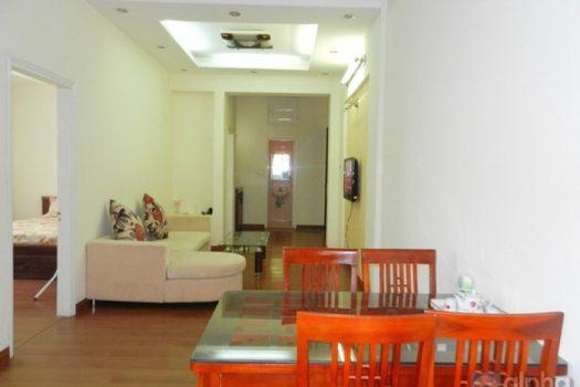 Cho thuê căn hộ 2 buồng ngủ tòa nhà công vụ