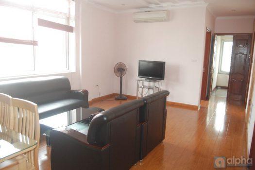 Cho thuê căn hộ dịch vụ 2 phòng ngủ tại Đường Âu Cơ giá rẻ