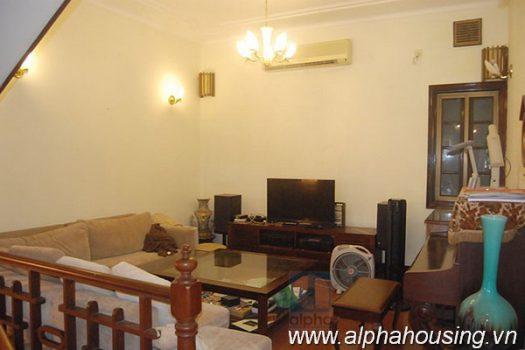 Nhà riêng đẹp với nội thất sang trọng cho thuê tại Hoàn Kiếm