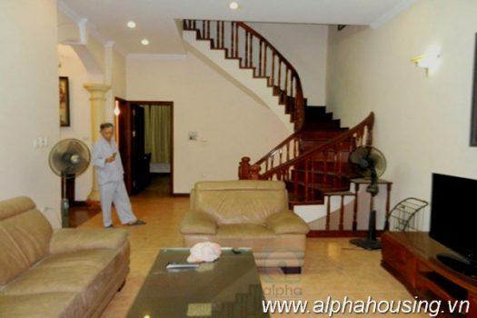 Nhà 3 phòng ngủ nội thất đầy đủ cho thuê tại Ba Đình