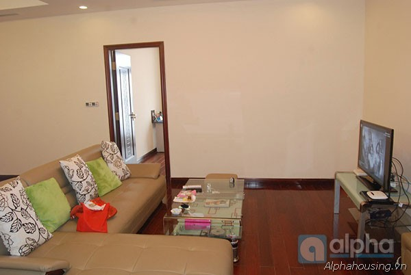 Royal City apartment for rent at R1, 03 bedrooms, fully furnished.