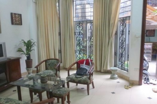 Nhà đầy đủ nội thất cho thuê tại Đội Cấn