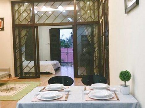 Cho thuê căn hộ 2 buồng ngủ đầy đủ đồ gần Hồ Hoàn Kiếm