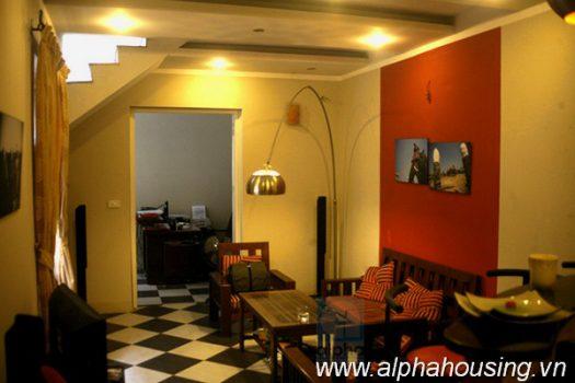 Ngôi nhà hiện đại 2 phòng ngủ cho thuê ở quận Hoàn Kiếm