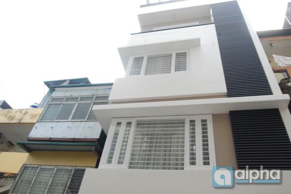 Nhà 8 phòng ngủ cho thuê tại Láng Hạ, Ba Đình, Hà Nội