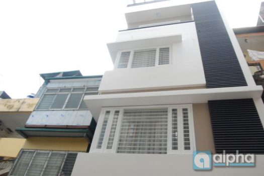 House for rent in Chua Lang street, Dong Da area, car access 3