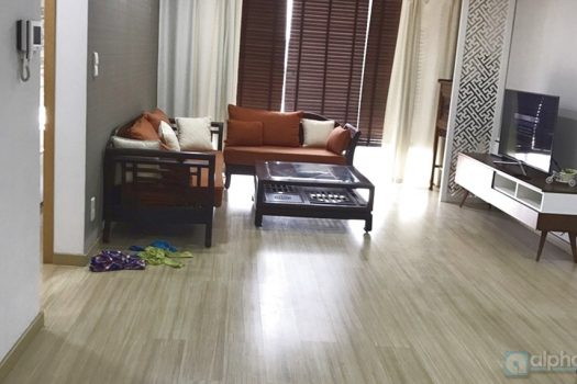 Spacious 02 bed apartment on Lang Ha street, Great location! 5