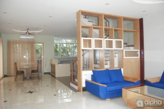 Vinhomes riverside villa with 3 bedrooms for rent, Anh Dao area 3
