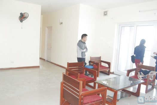 Cheap Apartment 2Br semi-furnished in Tay Ho District 6