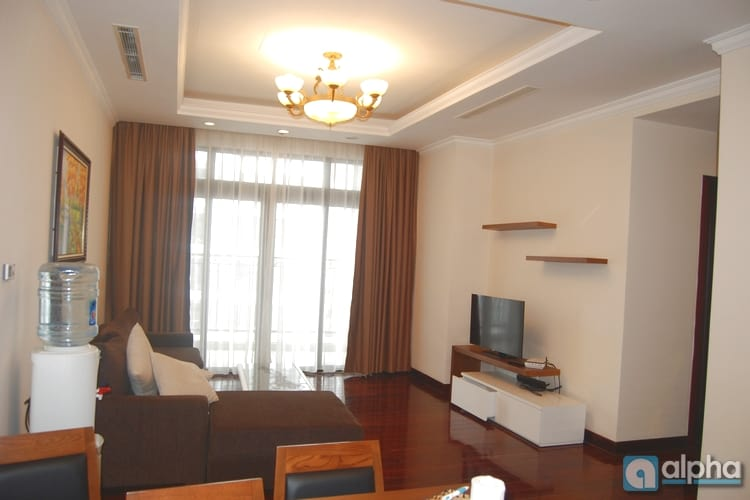 A bright 03 bedrooms apartment for lease at R5 Royal City with full furniture