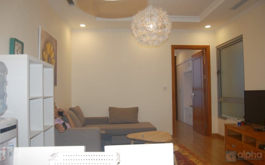 Modern one bedroom apartment in Vinhomes Nguyen Chi Thanh for rent