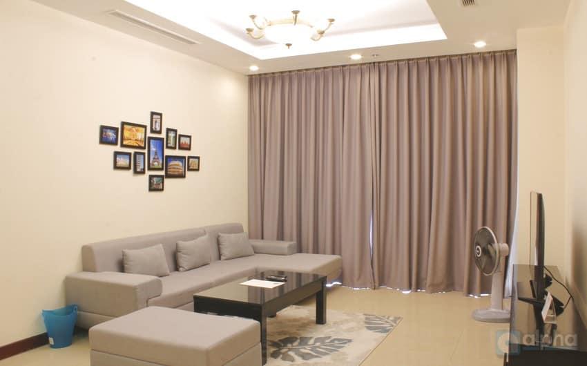 Cho thuê căn hộ hai phòng ngủ rộng rãi tại Vinhomes Royal City