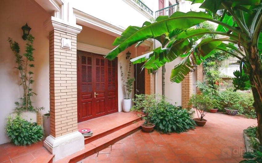 Garden house with 4 bedrooms in To Ngoc Van Street for rent now