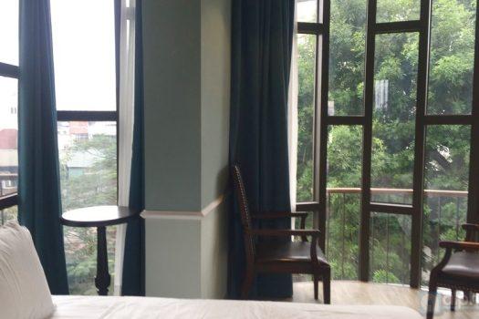 Một căn hộ hoàn toàn mới có ban công cho thuê tại Hoàn Kiếm 5