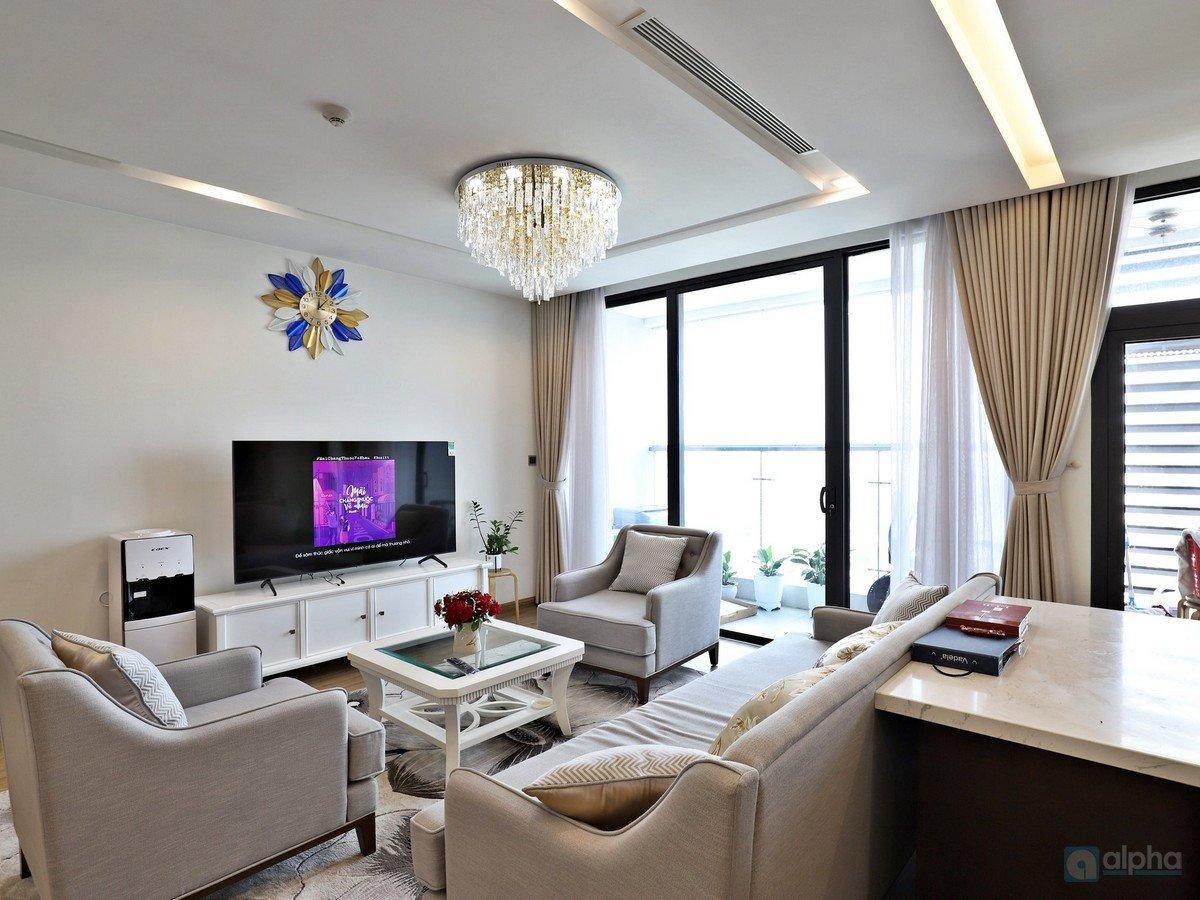 Westlake view 3BR apartment for rent in Vinhomes Metropolis – Lieu Giai, Ba Dinh