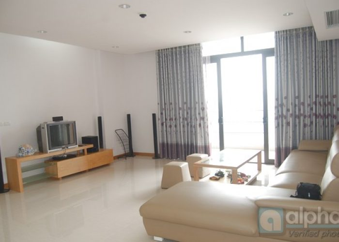 SUPER Luxury three bedrooms apartment for rent in Dolphin building, Tu Liem area