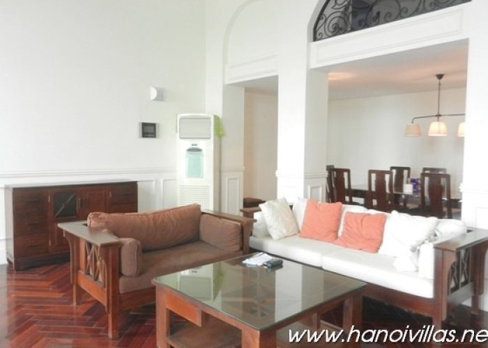 Three bedrooms apartment for rent in The Manor, Ha Noi, fully furnished, good price.