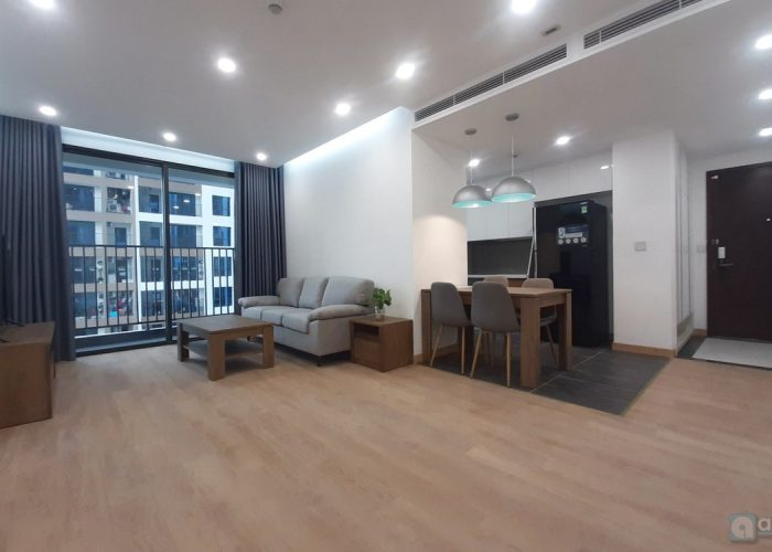 Warm and spacious 2-bdr apartment in 6th Element for rent