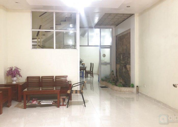 1. Cho thuê nhà nhà đầy đủ tiện nghi ở đường Âu Cơ- Tây Hồ – Hà Nội
