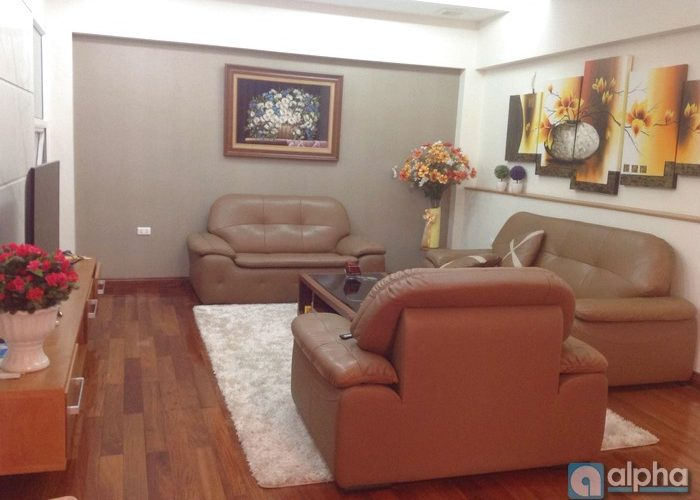 Nice house for rent in Cau Giay, Ha Noi. Five bedrooms, elevator