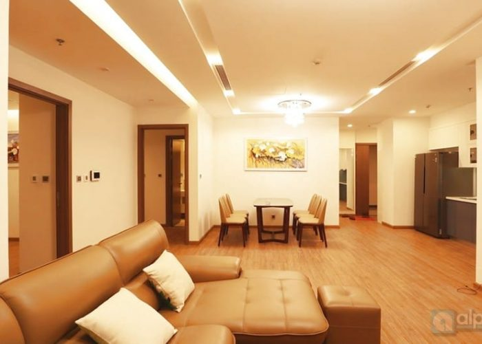 Modernly cozy 3-bed apartment in Vinhomes Metropolis for lease.
