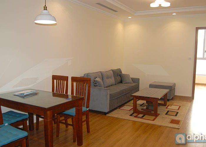 Cho thuê căn hộ dịch vụ 1 phòng ngủ tại Vinhomes Nguyễn Chí Thanh, Đống Đa