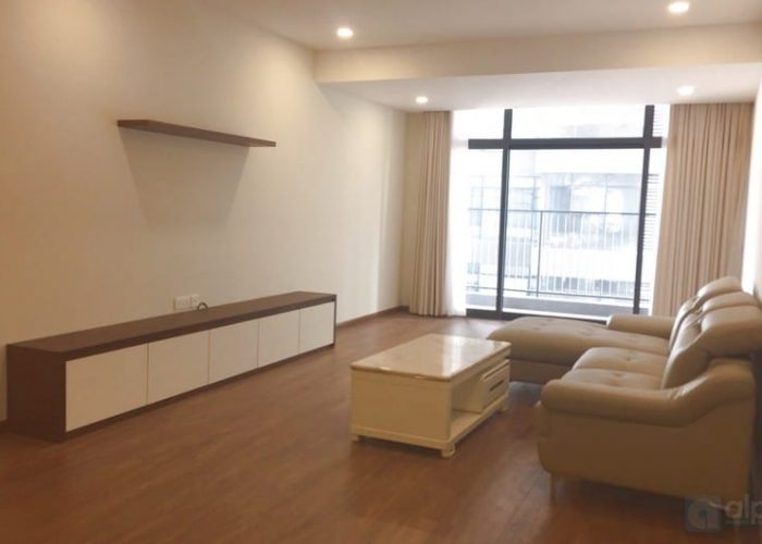 Fully furnished apartment 4 bedrooms, 3 bathrooms in Discovery Complex