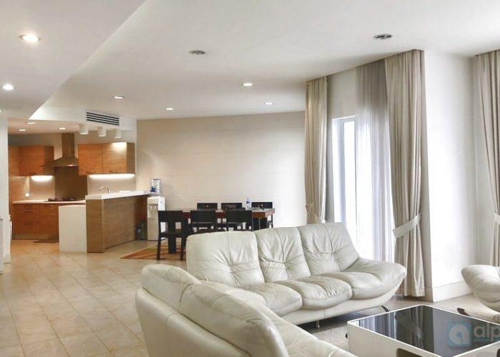 Cho thuê căn hộ 3 phòng ngủ nội thất hiện đại tại Golden Westlake Hà Nội