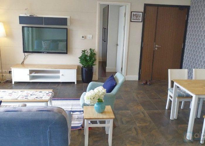 Cho thuê căn hộ ba phòng ngủ tại Golden Westlake