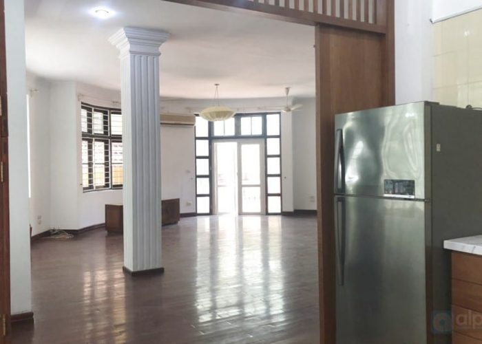 Fully furnished house with front yard for rent in To Ngoc Van street