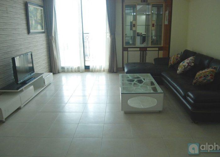 Cho thuê căn hộ Pacific Place, hai phòng ngủ, phong cách hiện đại.