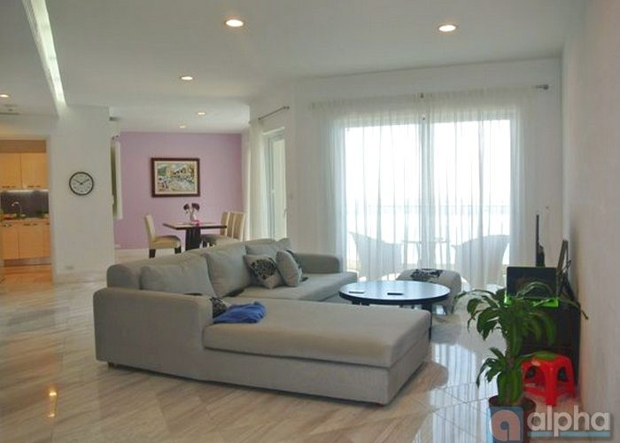 03 bedrooms apartment in Golden Westlake. Lake view, furnished