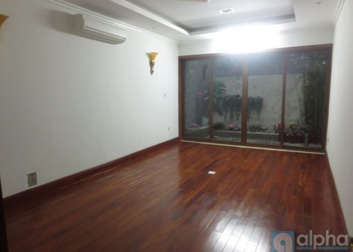 A modern house in Hoan Kiem, Ha Noi, 05 bedrooms with furnished