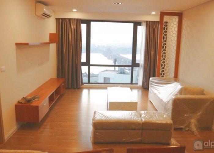 Căn hộ view đẹp cho thuê tại Mipec Long Biên Riverside.