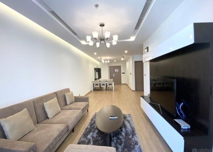 Cho thuê căn hộ 3 phòng ngủ view nội khu Vinhomes Metropolis