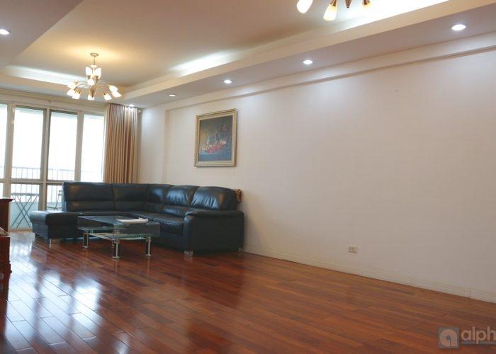 Cho thuê căn hộ 4 thoáng rộng tại tòa P1 CIPUTRA