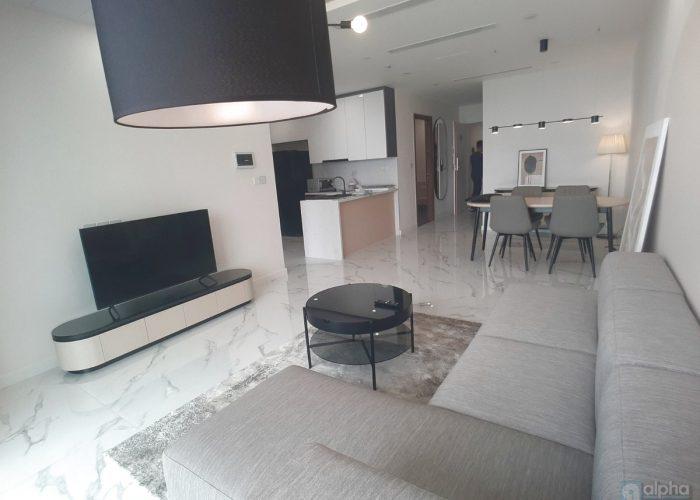 Cho thuê căn hộ 2 phòng ngủ hoàn toàn mới tại Sunshine City