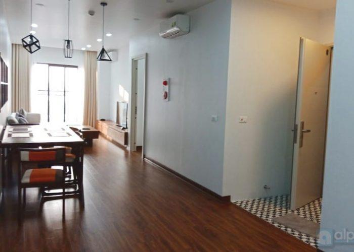 Cho thuê căn hộ chung cư sầm uất tại đường Âu Cơ, Hà Nội