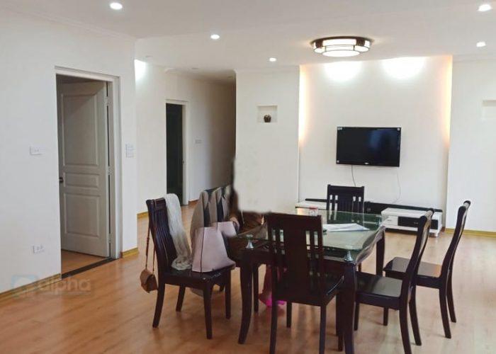 Căn hộ đẹp 3 phòng ngủ đầy đủ nội thất tại chung cư Vườn Đào