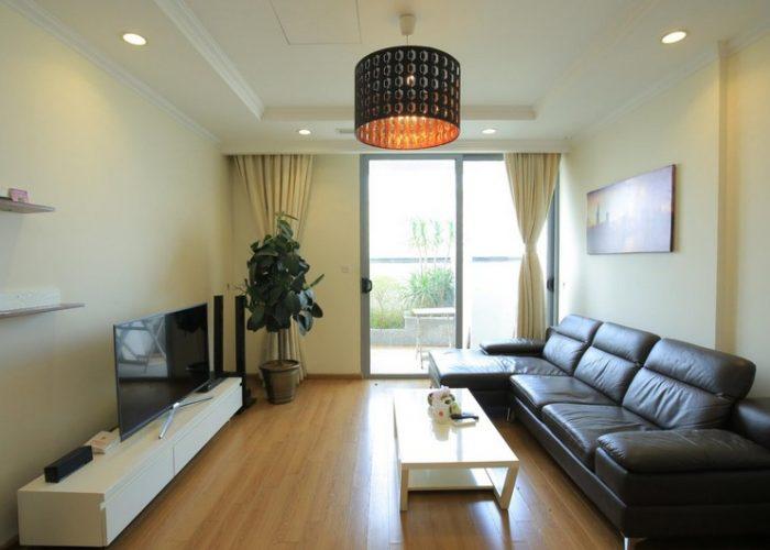 Căn hộ 03 phòng ngủ hiện đại có ban công rộng cho thuê tại Vinhomes Nguyễn Chí Thanh