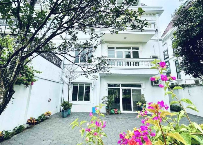 Partly furnished villa in Ciputra to rent. Spacious and modern