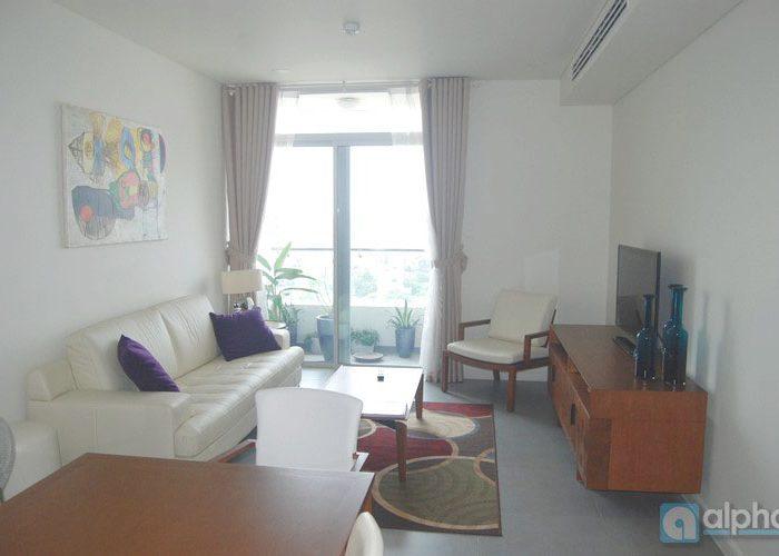 Cho thuê căn hộ 2 phòng ngủ, nội thất đẹp tại Watermark Hồ Tây